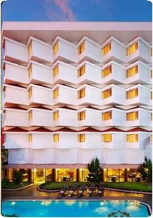 https://www.keralatravels.com/list_Kozhikode_Kerala_Hotel_0.html