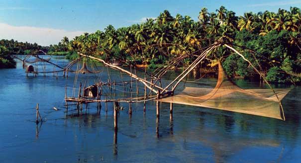 kumbalangi-fishing
